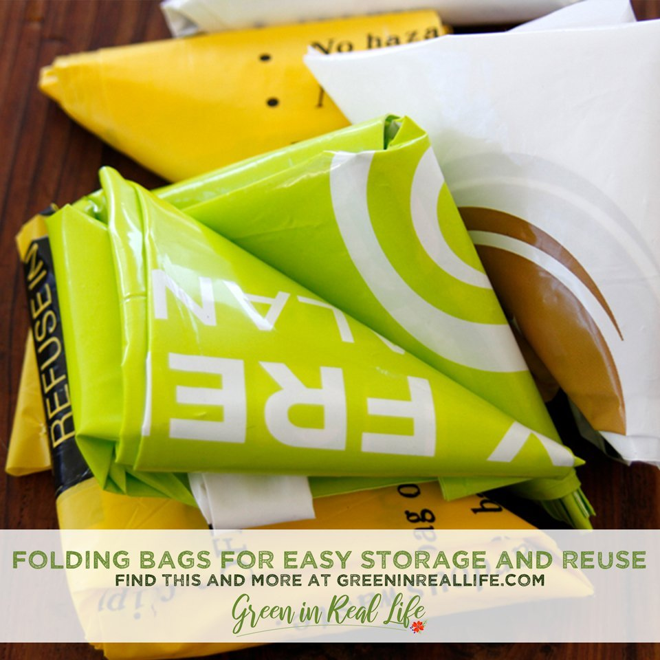 Folding Plastic Bags for Easy Storage and Reuse